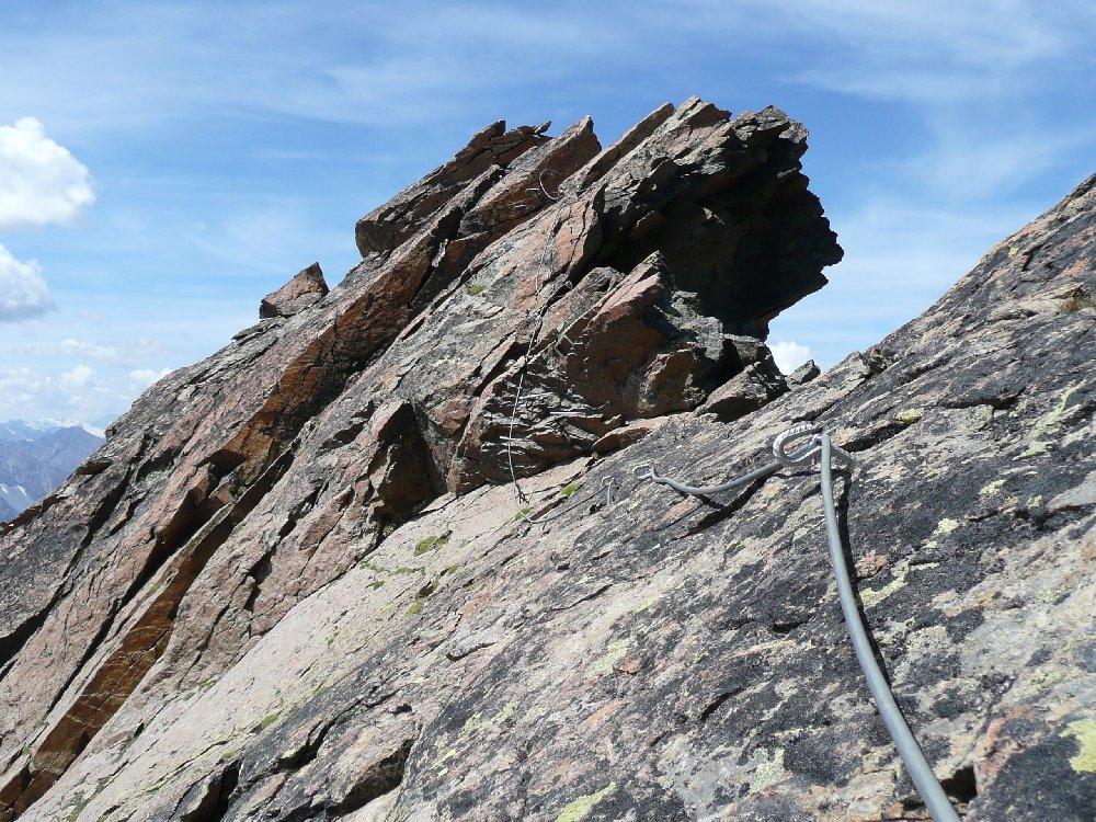 Placche su rocce rosse.