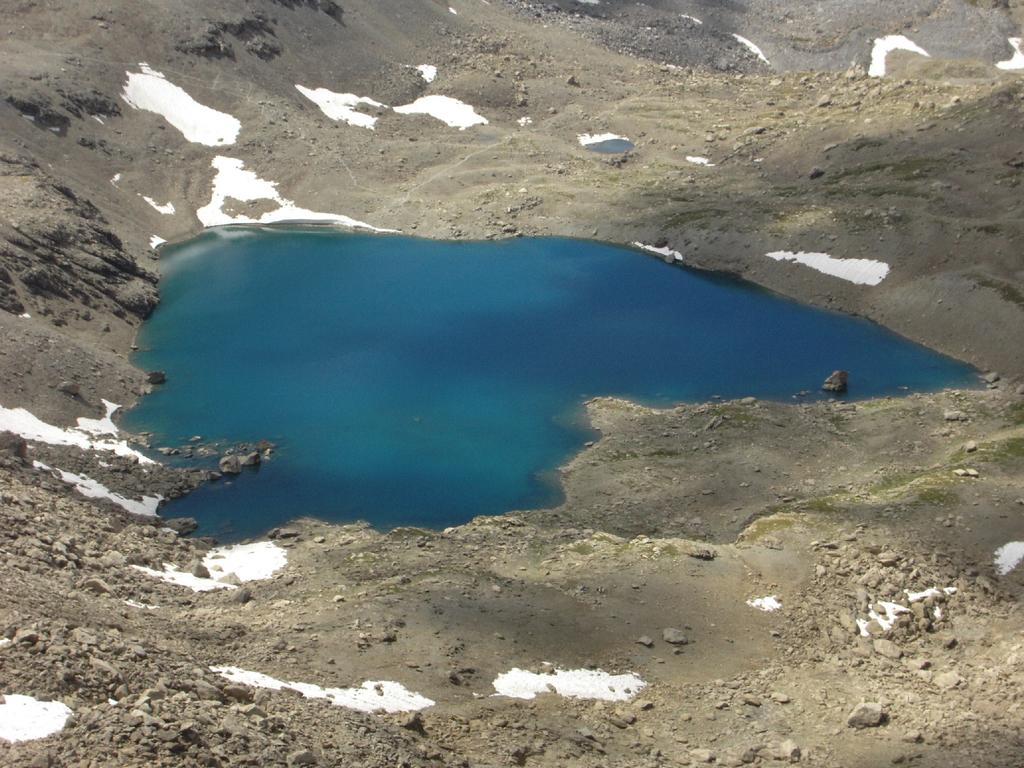 Vista sullo stupendo lago Neuf Couleurs