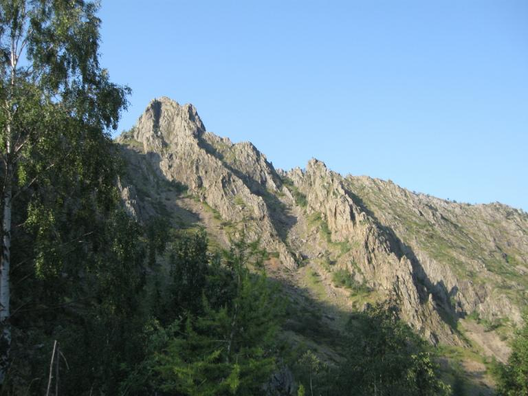 Vista sulla cresta (quella a dx) durante l'avvicinamento