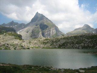 Pizzo del Moro dal Lago del Bianco