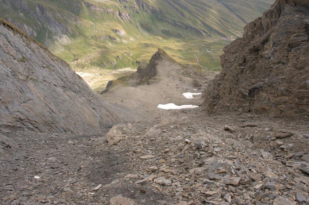 una visuale del canalone...verso il basso (22-8-2009)