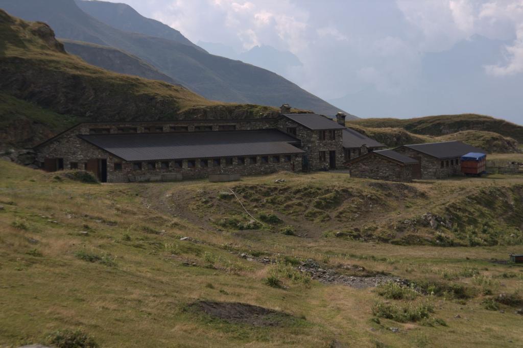 la Capanna Bonalè, dove termina la stradina interpoderale (22-8-2009)