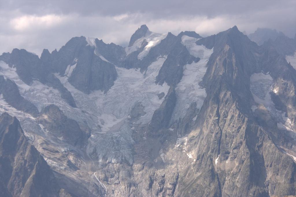 panorami dalla cima : Gruppi Leschaux - Talèfre - Triolet (Gruppo del Bianco) (22-8-2009)