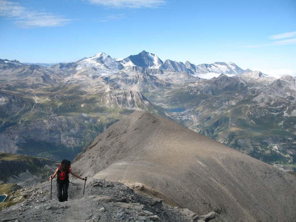 La cresta di salita, con Grande Motte e Grande Casse sullo sfondo