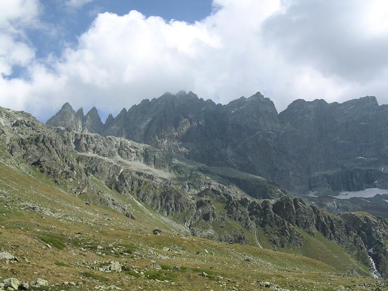 La catena del Morion, a sinistra il Trident de Faudery