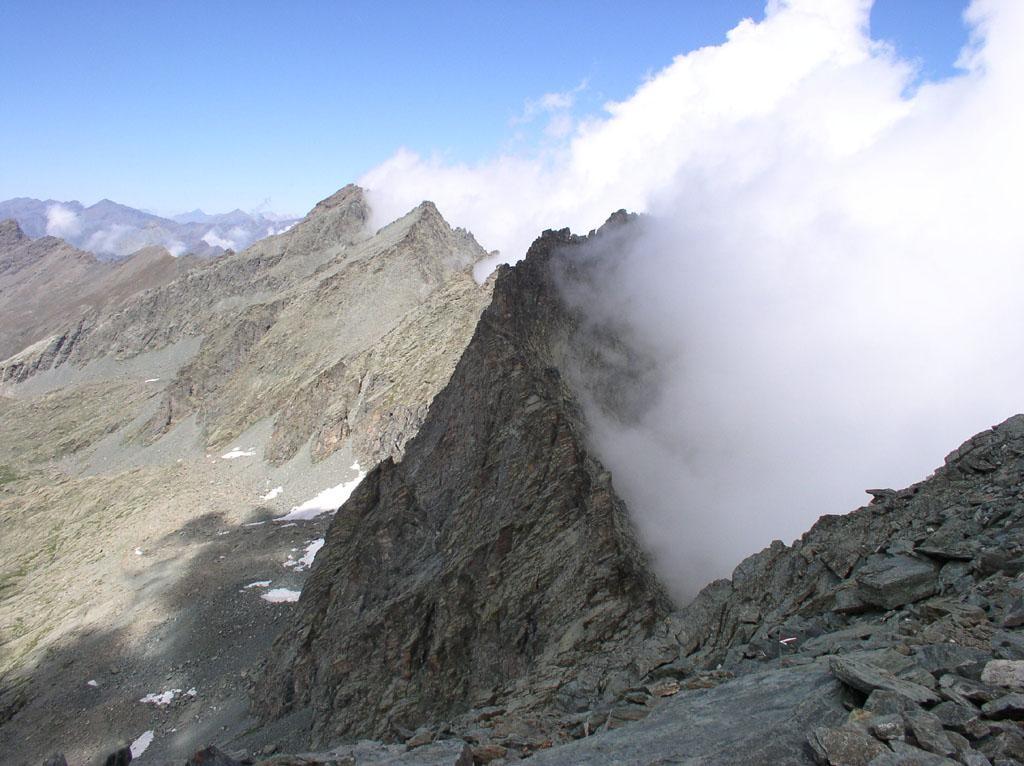 nebbie in valle po al passo giacoletti