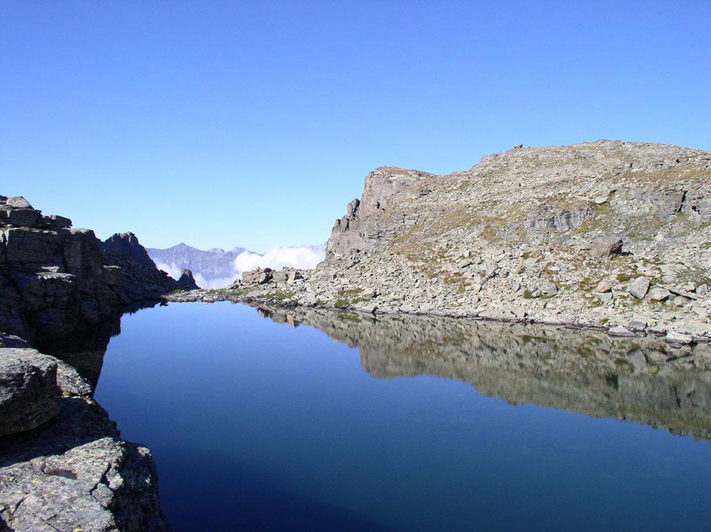 lago lungo nel vallone delle giargiatte