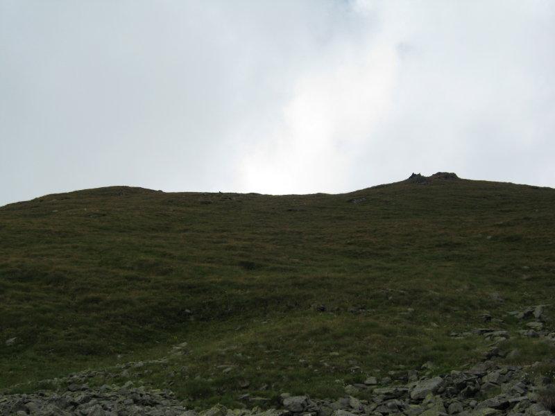 La cresta con l'ometto vista dai ruderi
