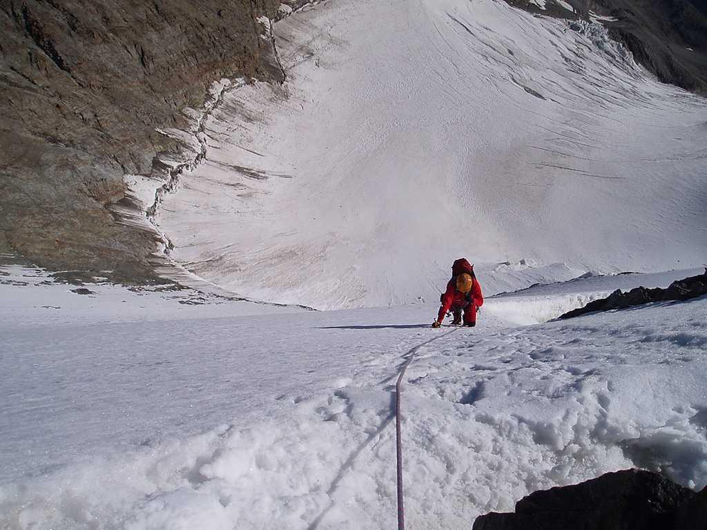 Il tratto nevoso quasi in vetta a Lenzspitze