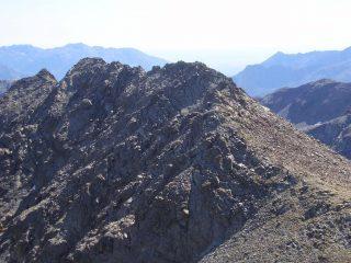 La lunga  cresta  del Belplà dalla Punta di Mezove