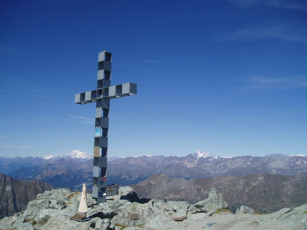 la croce di vetta fra binco e combin