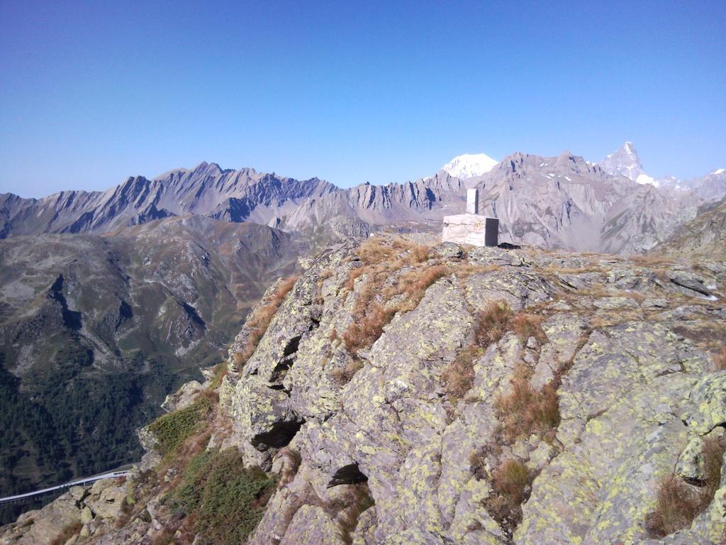 Il colle confine con la Svizzera