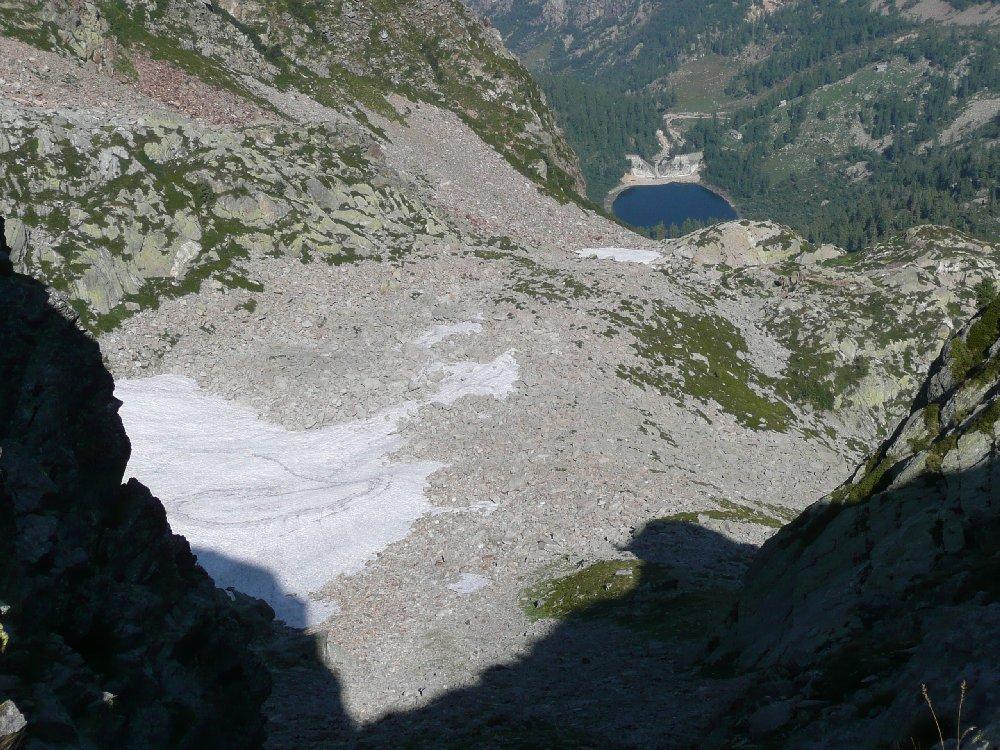 Nevai dietro il Mars e lago Vargno.