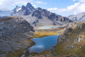 Lago Inferiore e Lago del Rutor, Gd. Assaly e Punta Loydon visti dal sentiero n. 16, prima di deviare per il Vallone di Usselettes
