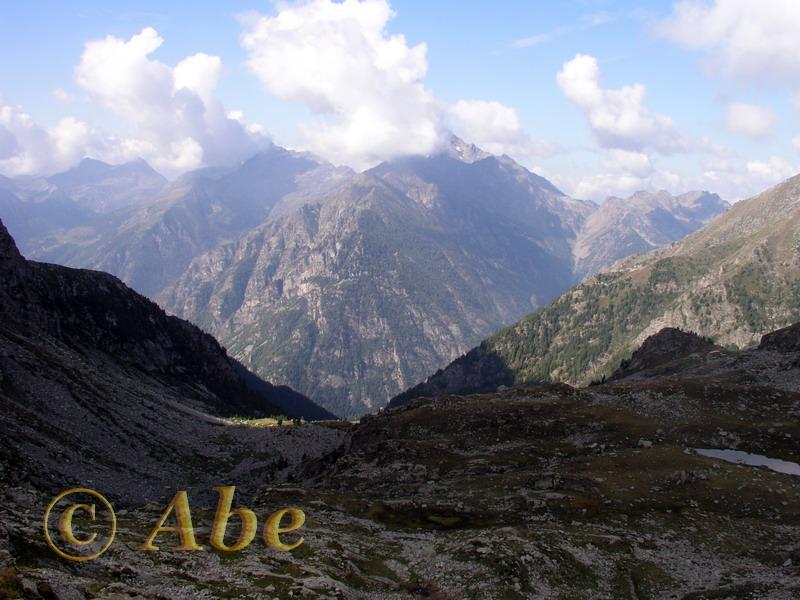 vista verso nord dalla cima (Becca di Vlou e Mont Nery)