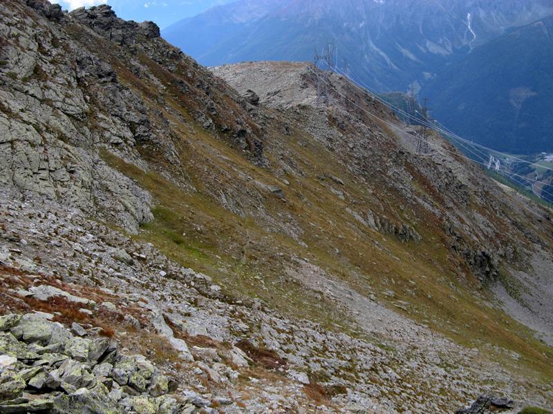 In direzione della Côte de Barasson, si notano il sentiero 14A e poco più in alto una seconda traccia.