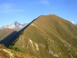 La parete sud est del monte Canale con la cresta di salita