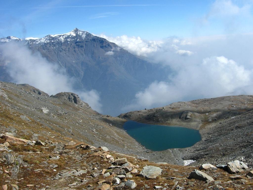 Lago della Vecchia e Roccia....