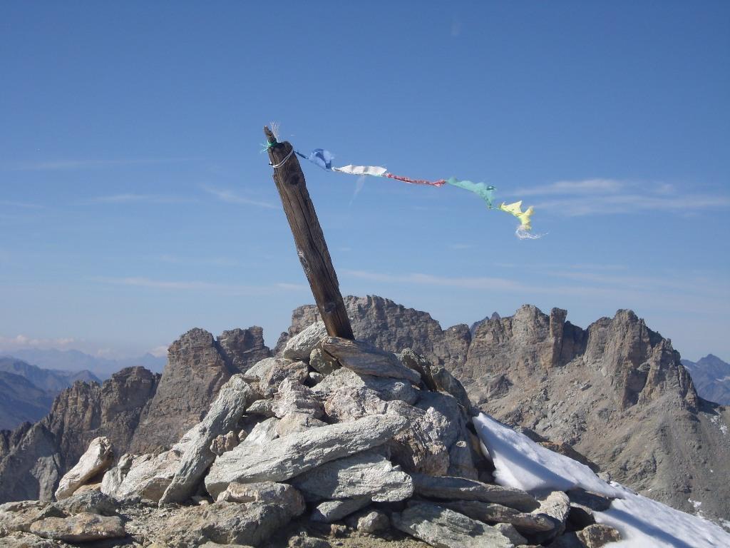 05 - La cima e la vicinissima Rognosa d'Etiache