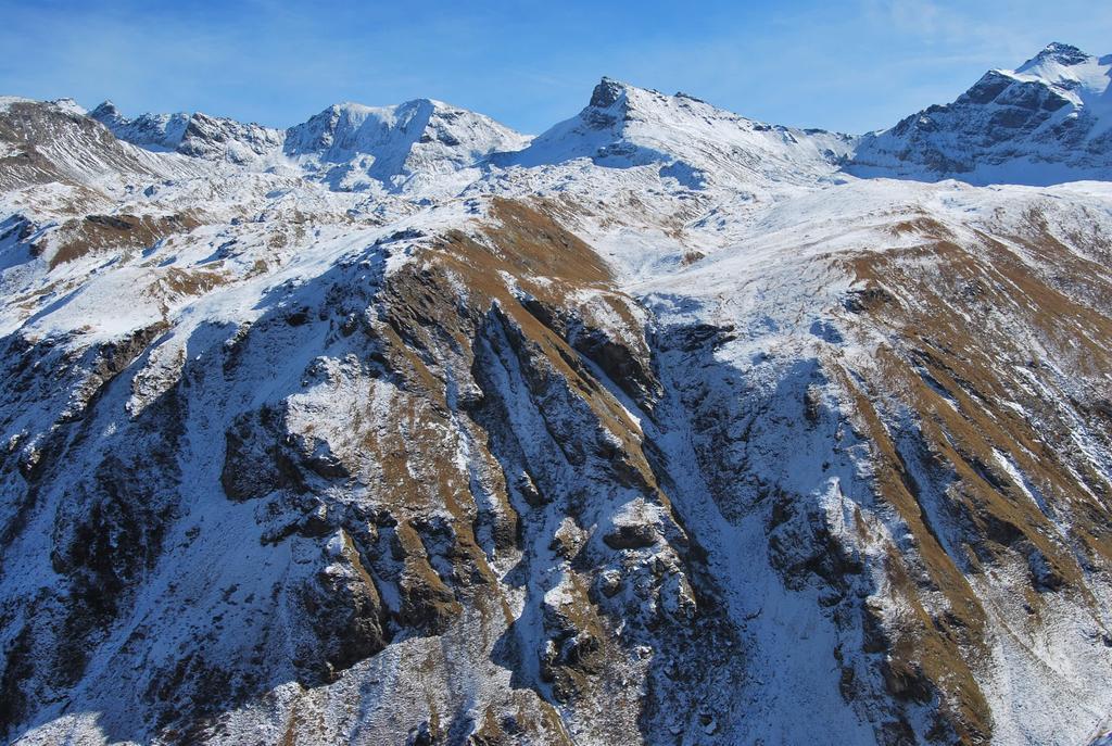Visti dalla Valgrisenche, sentiero per il Col Vaudet, da snx a dx: Punte St.Martin, Colle di Fos, Truc Blanc, Col Truc Blanc, P.ta Bassac Nord, la p.ta 3349 m, Col Bassac