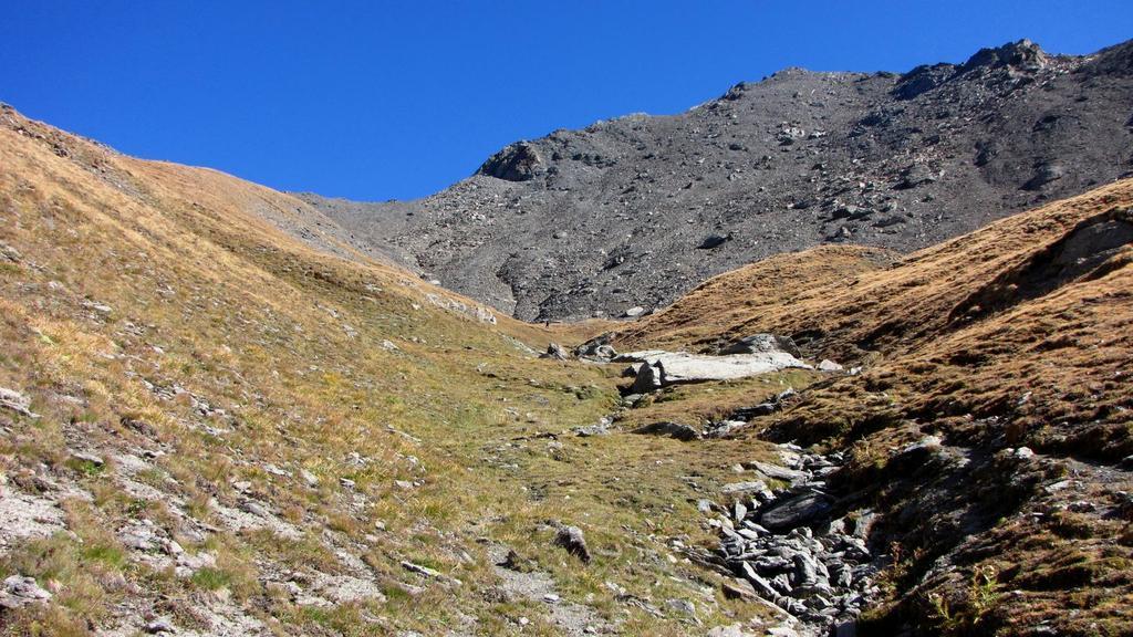 Punta Serpentiera vista dal vallone omonimo (11-10-2009)