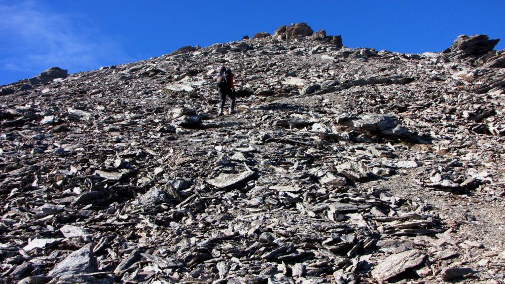 Massimo sta per raggiungere la vetta della Cima del Pelvo (11-10-2009)