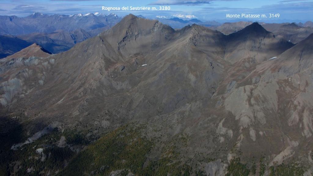 panorami osservati dalla Cima del Pelvo...02 (11-10-2009)