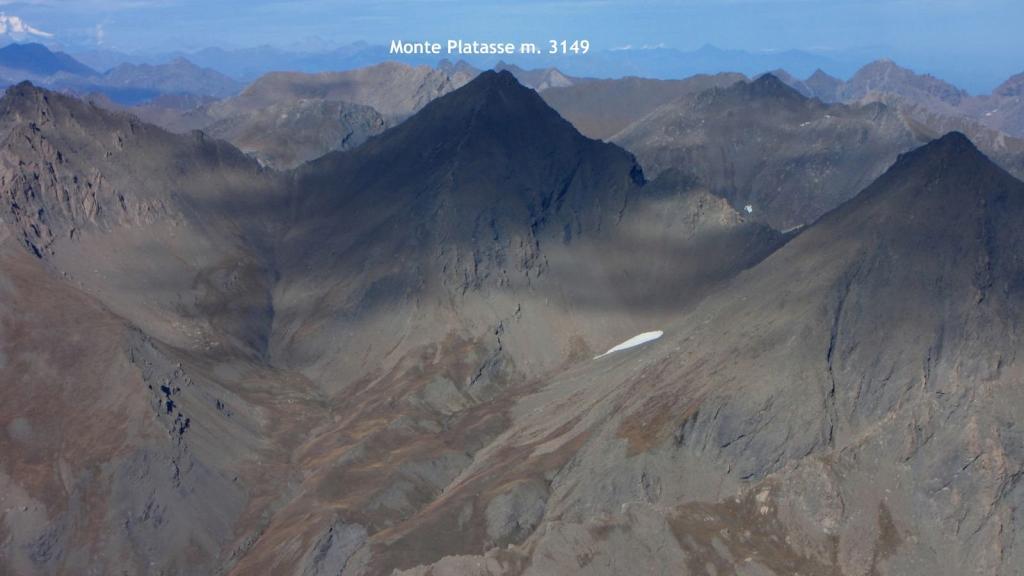 panorami osservati dalla Cima del Pelvo...03 (11-10-2009)
