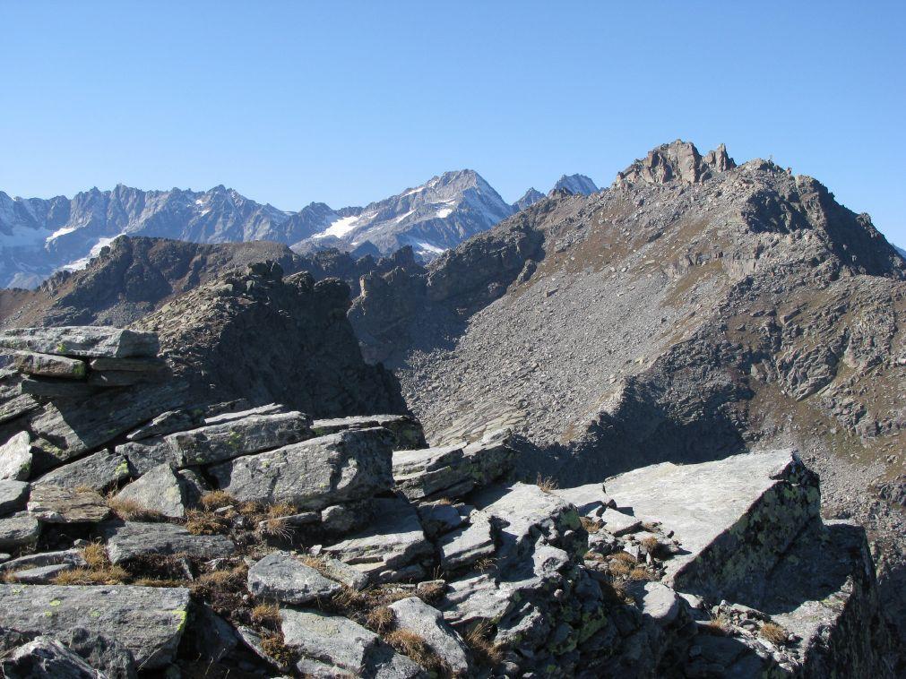 Tovo Piccolo (Monte) da Carello e il colle della Forca 2009-10-16