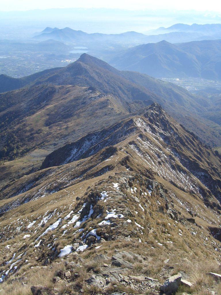 11 - Dalla cima, vista sulla cresta percorsa in salita