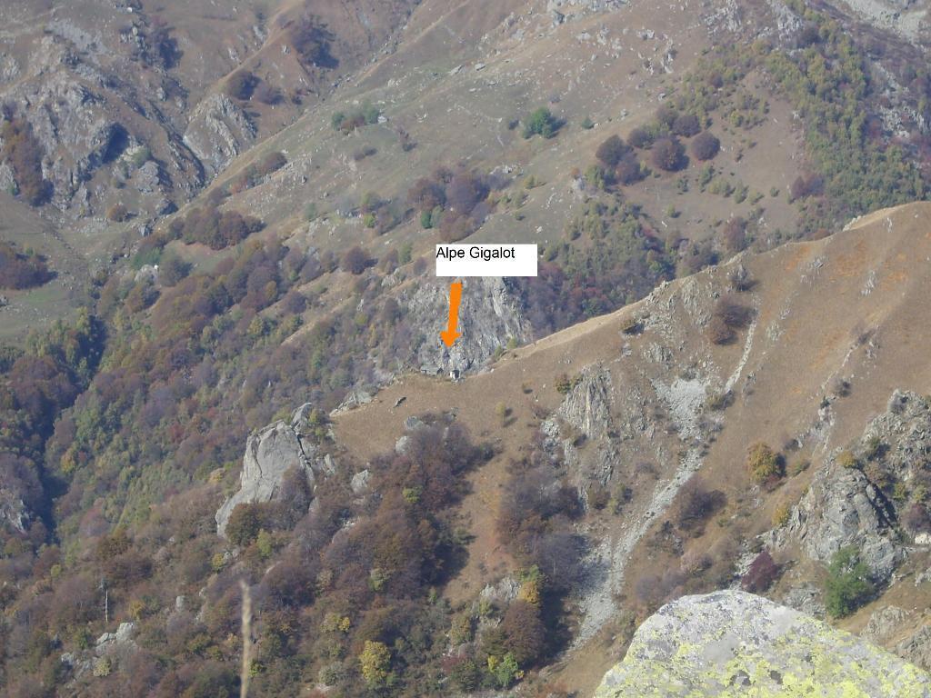 05 - Dettaglio dell'Alpe Gigalot, un tempo rifugio dei partigiani.. bella nascosta!