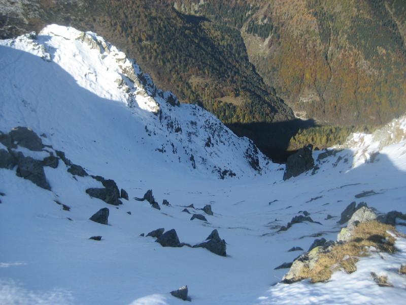 versante nord dalla vetta, ottimo itinerario di sci ripido...