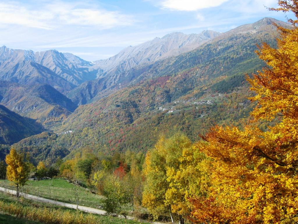 in discesa verso la valle Germanasca