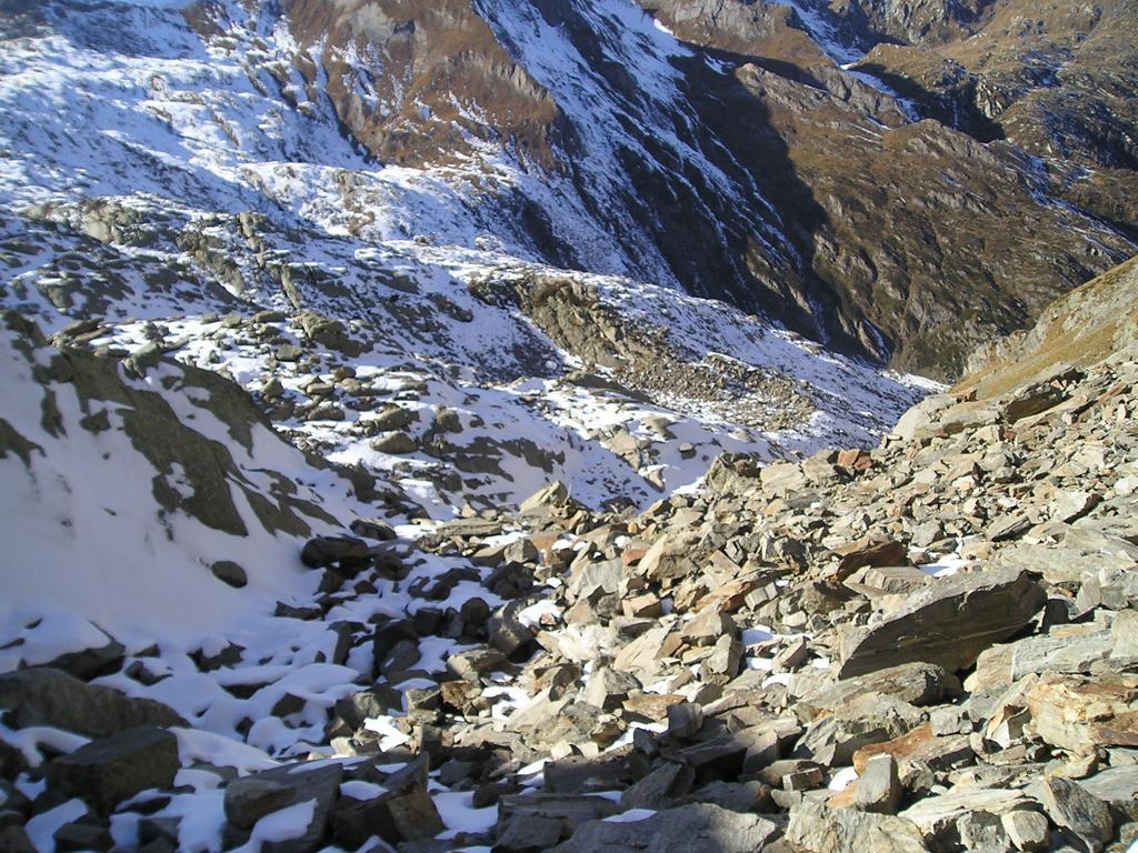 Neve nei tratti in ombra lungo il percorso