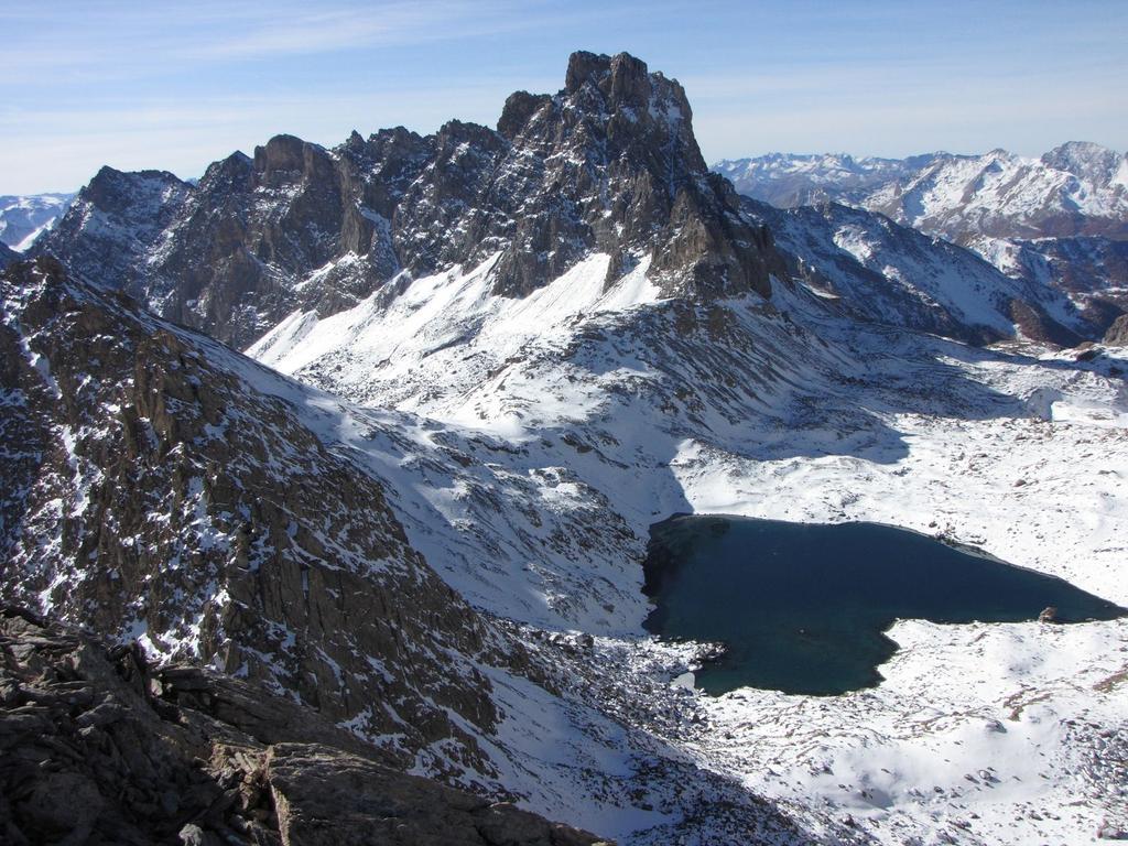 panorami dalla cima : Brec de Chambeyron e Lago dei Nove Colori (1-11-2009)