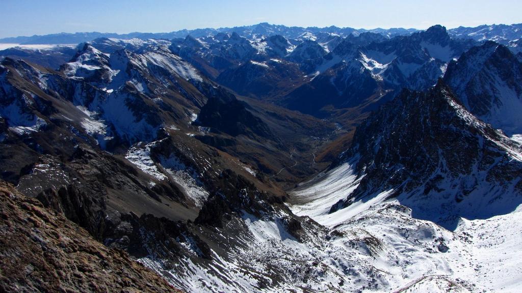 panorami dalla cima : la Valle Maira e le Alpi Marittime sullo sfondo (1-11-2009)