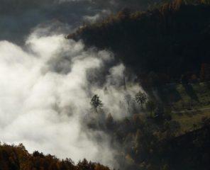 Le nubi lambiscono la conca di Scalaro