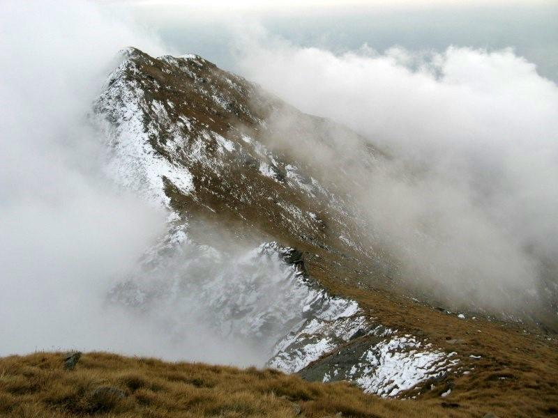Nuvole su tutti i versanti