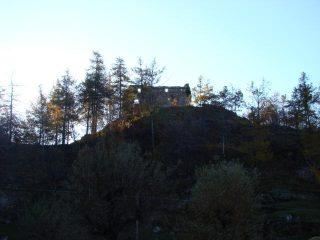 alla riserva d'Holay  il castello di Susey