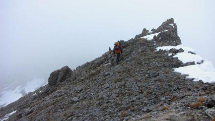 Alessandro raggiunge l'anticima (22-11-2009)