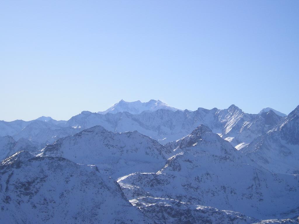 Sullo sfondo il Monte Rosa