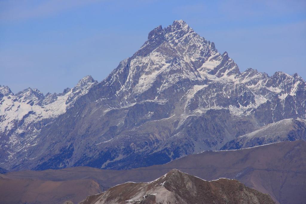 panorami dalla cima : il solito e immancabile Monviso (28-11-2009)