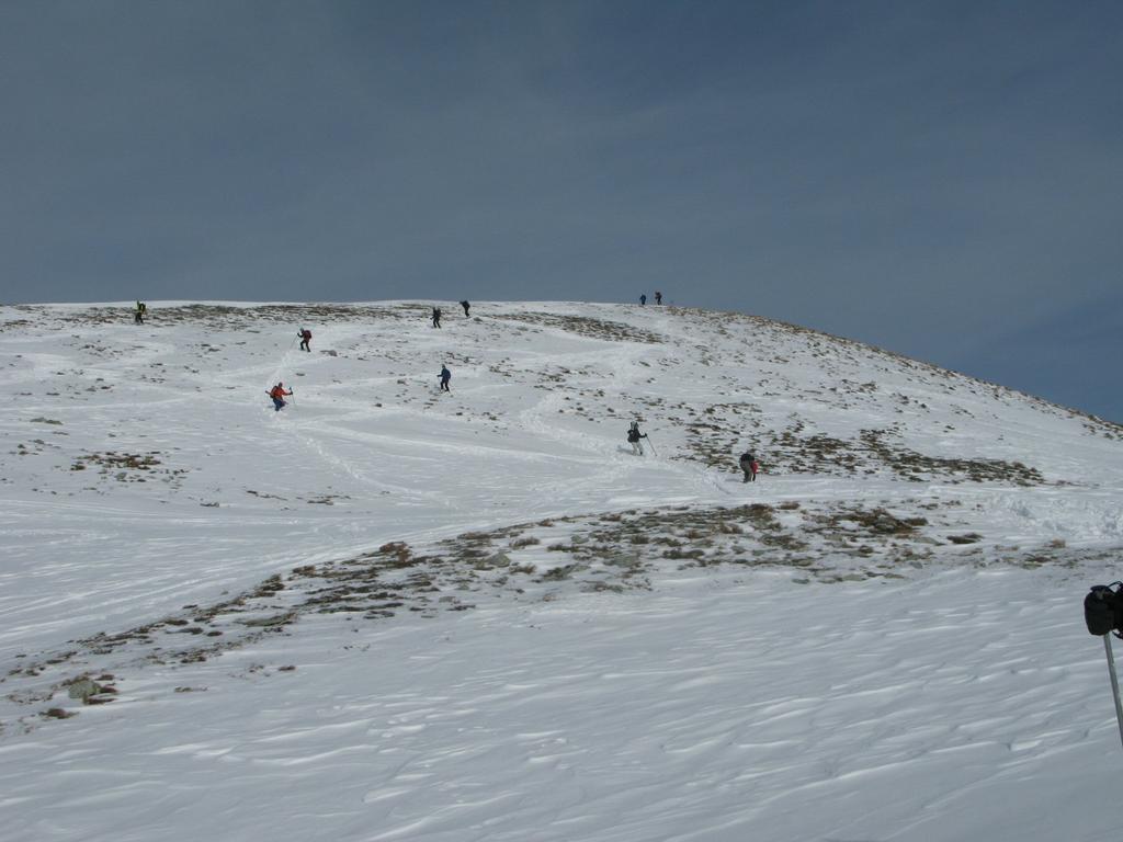 Breve tratto con poca neve spazzata dal vento