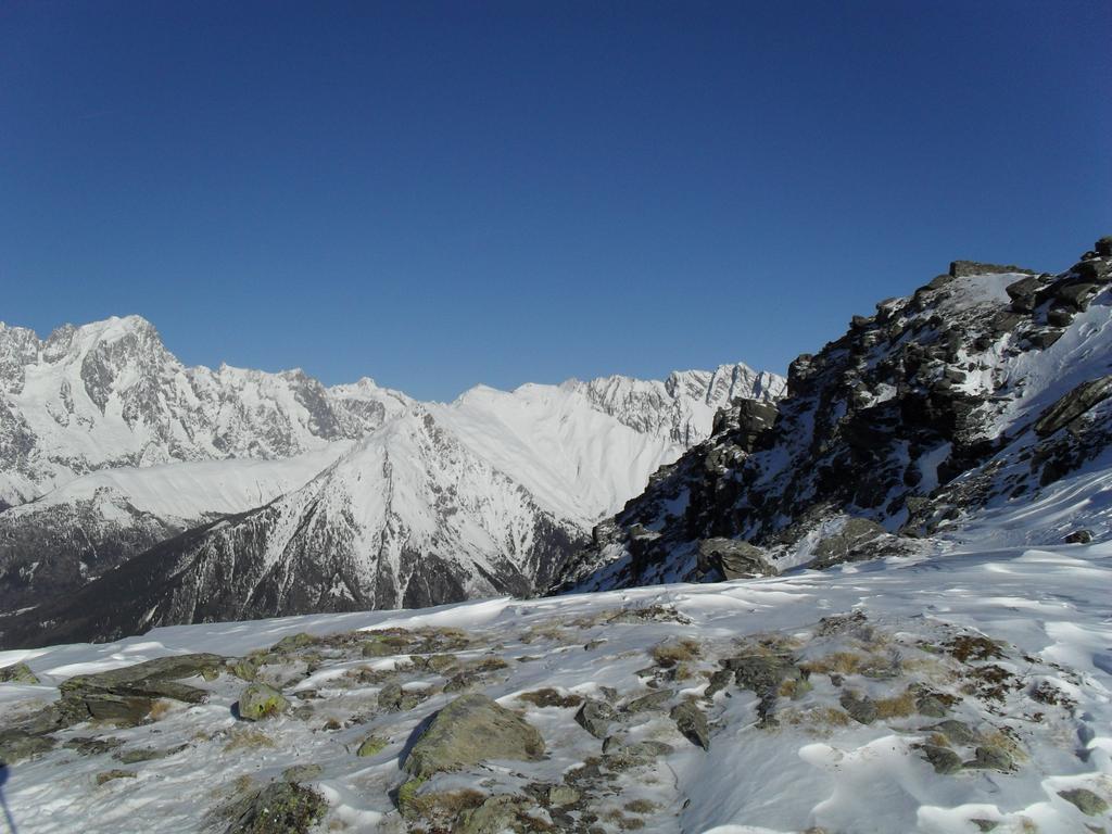 panorami,a sinistra la Jorasse