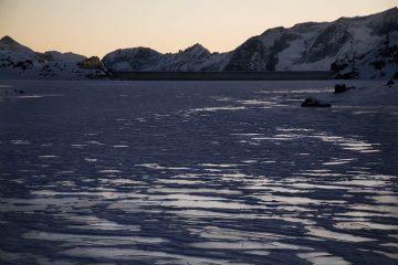 Il lago del Gabiet con le ultime luci