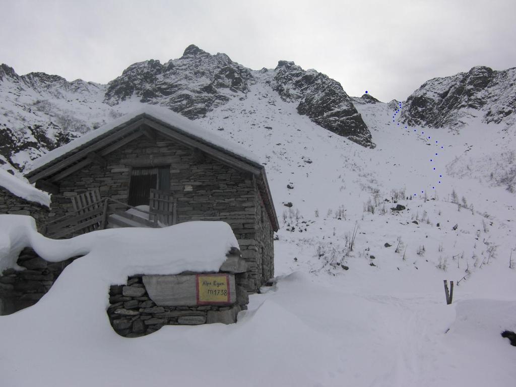 Pianone (Cima) da Carcoforo e l'alpe Egua 2009-12-12