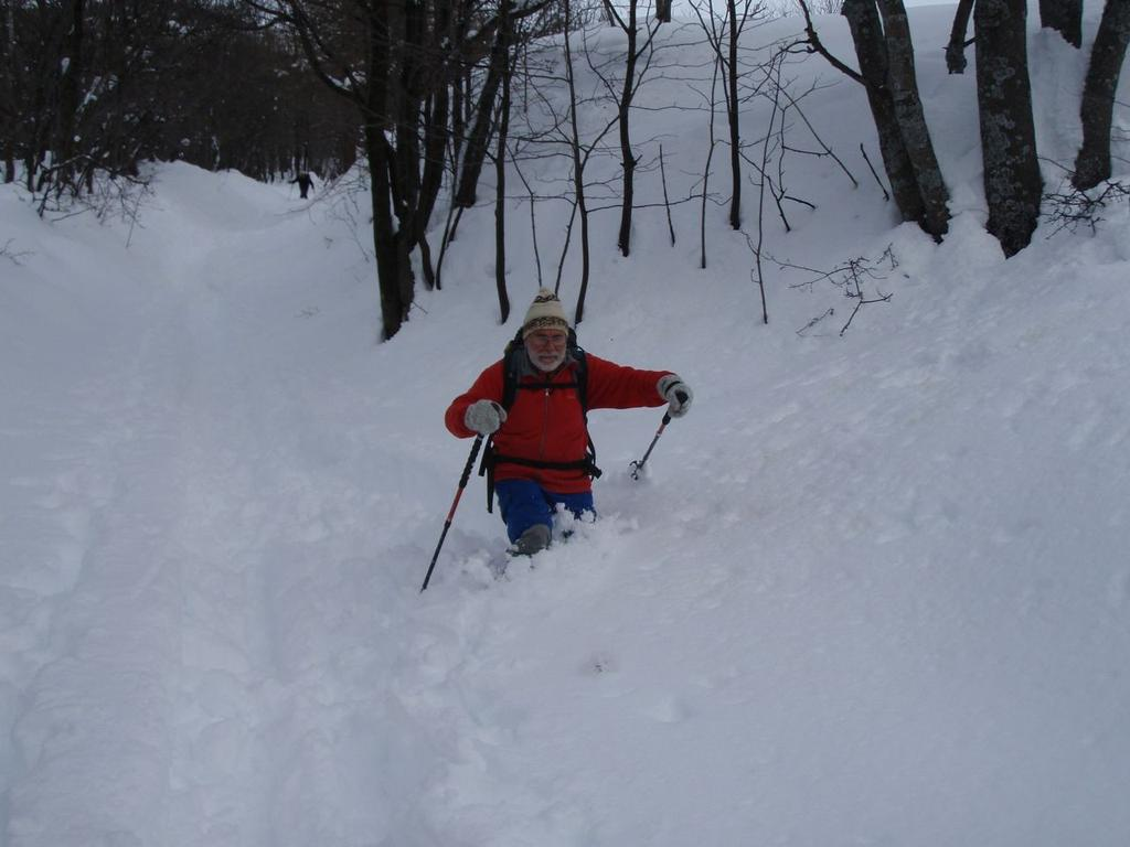 Alberto emerge dalla neve