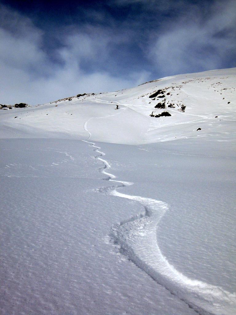 sotto la cresta bella neve