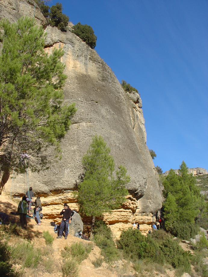 due strati di roccia gialla e grigia