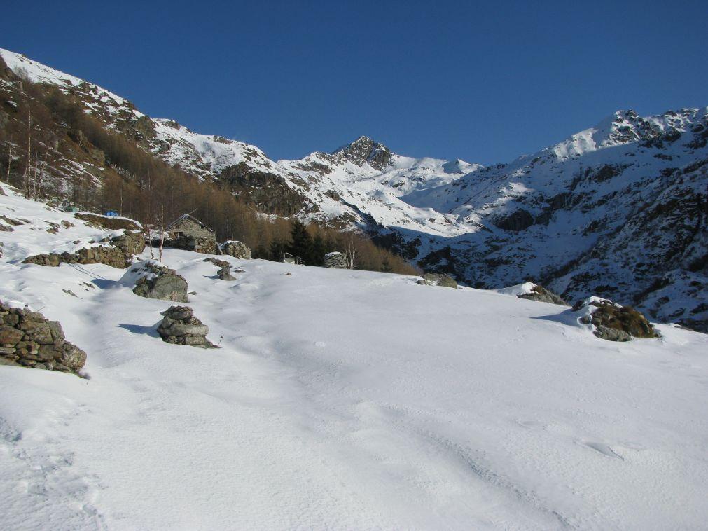 Vista sull'Alpe Truc ed il Monte Roux